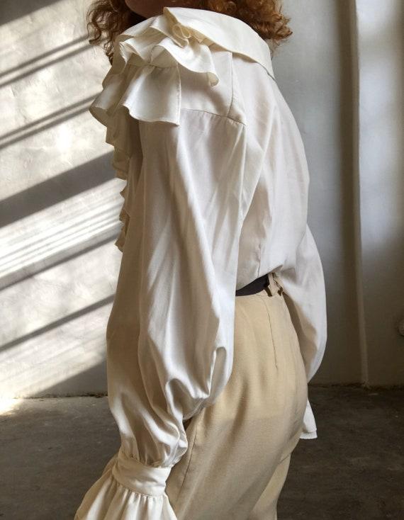Vintage statement blouse, white puff sleeve ruffl… - image 4