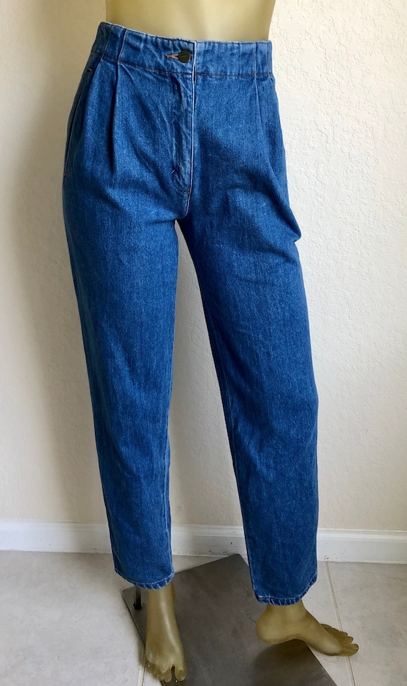 Perry Ellis 90's Pleated Front Mom Jeans, XS-S