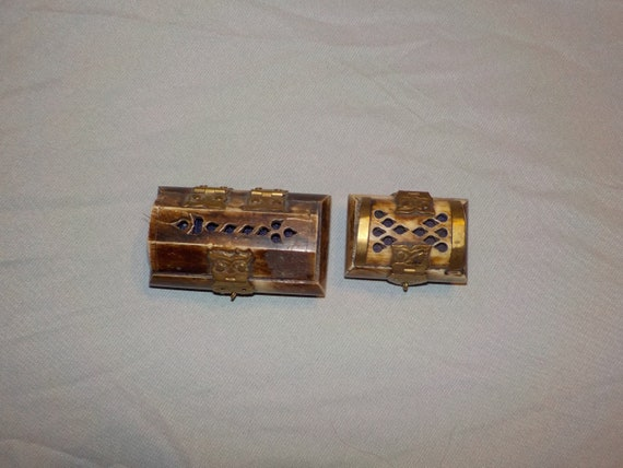 Vintage Scrolling Brass Cut Out Camel Bone Jewelry Trinket Box With Black Felt Material Lining