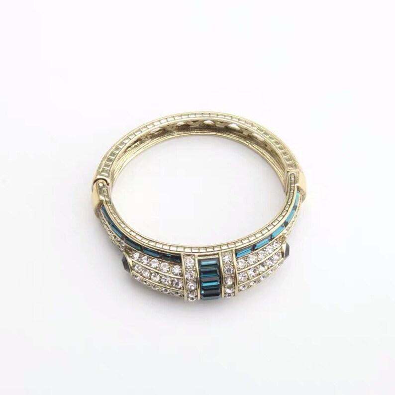 Heidi Daus \u201cRefined Elegance\u201d Hinged Crystal Bangle Bracelet LG Montana