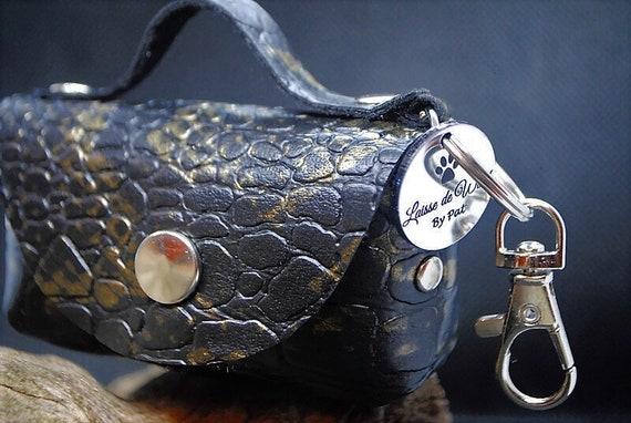 Poop bag dispenser - imitation leather - Leash of wouf