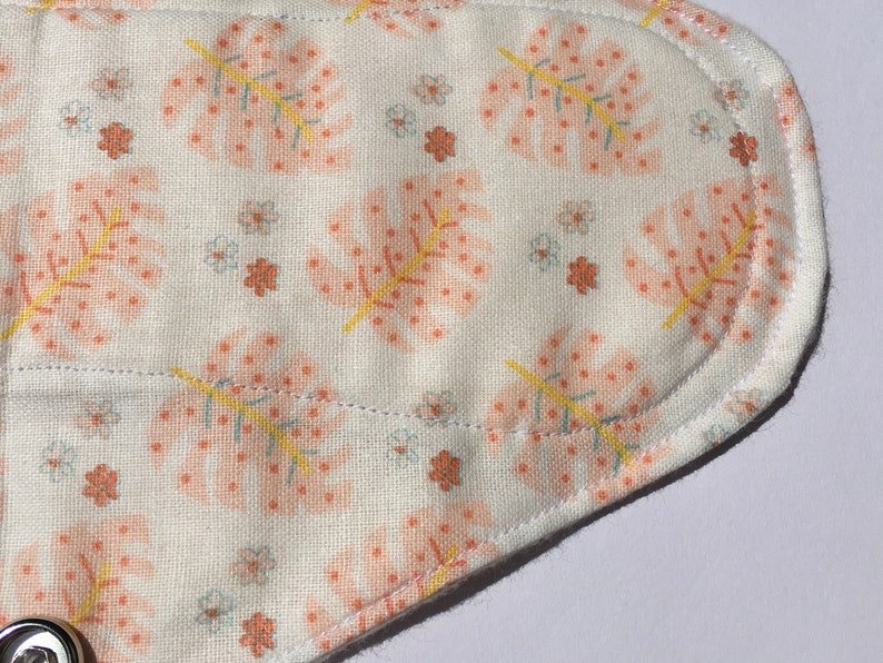 with Stainless Steel Snaps. Earth-Friendly /& Vegan Menstrual Pad Pink Fern Soft And Natural 100/% Cotton