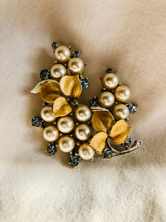 Brooch by B. Steinberg Kaslo Co. Vintage Gold and