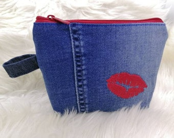 """Small cosmetic bag, skin nya bag made of jeans, upcycled, """"kiss mouth""""...""""Lips"""""""