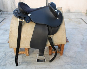 DemandClub Synthetic Australian HB Saddle Australian Half Breed Horse Saddle Tack Size 14 inches to 18 Inches Seat Available