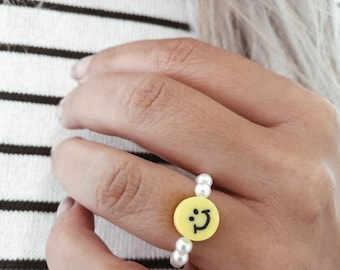 smiley ring, happy face, customizable, trend summer, stackable, stretch ring, gift, best friend, friendship ring, yellow, beads