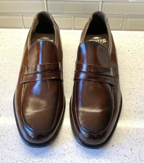 Status Mens Leather Dress Shoes Size 9 1/2 / Vinta