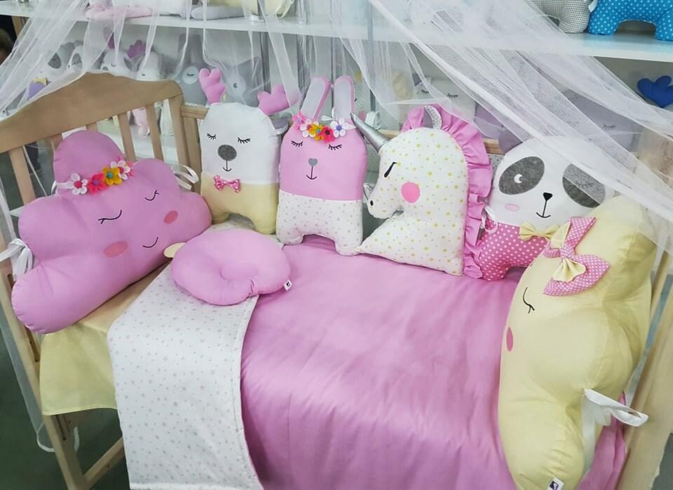Ensemble de literie de berceau pour la petite fille ; Ensemble d'oreiller de pare-chocs de berceau, drap de bébé, couverture de bébé.