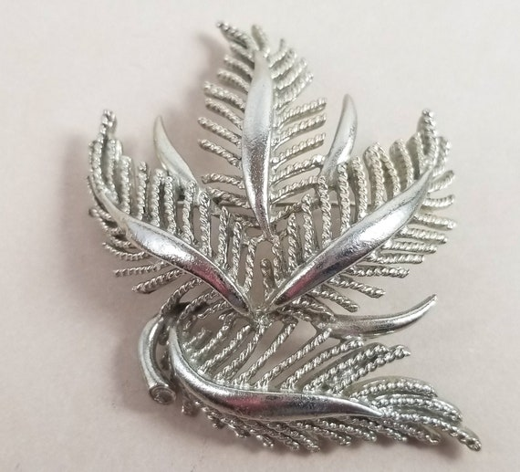 LISNER Signed 1960s Silvertone Brooch Pin Abstract Modernist Style Vintage