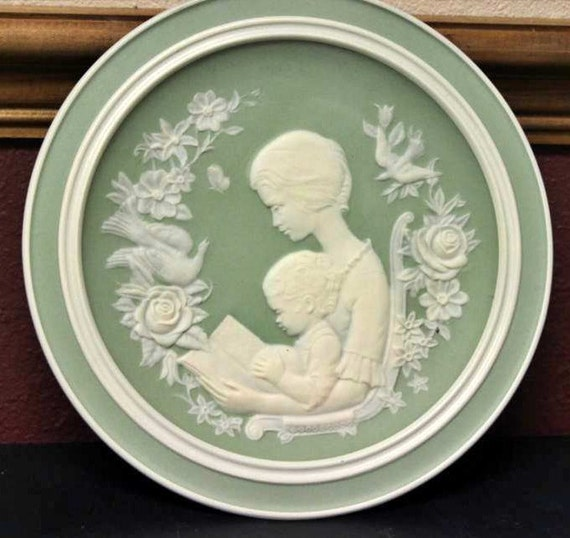 Franklin Porcelain Limited Edition for Mothers Day 1977 Decorative Ceramic Plate
