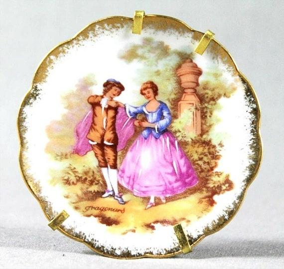 Limoges France Romantic Figurative Design Gilt Signed By Fragonard