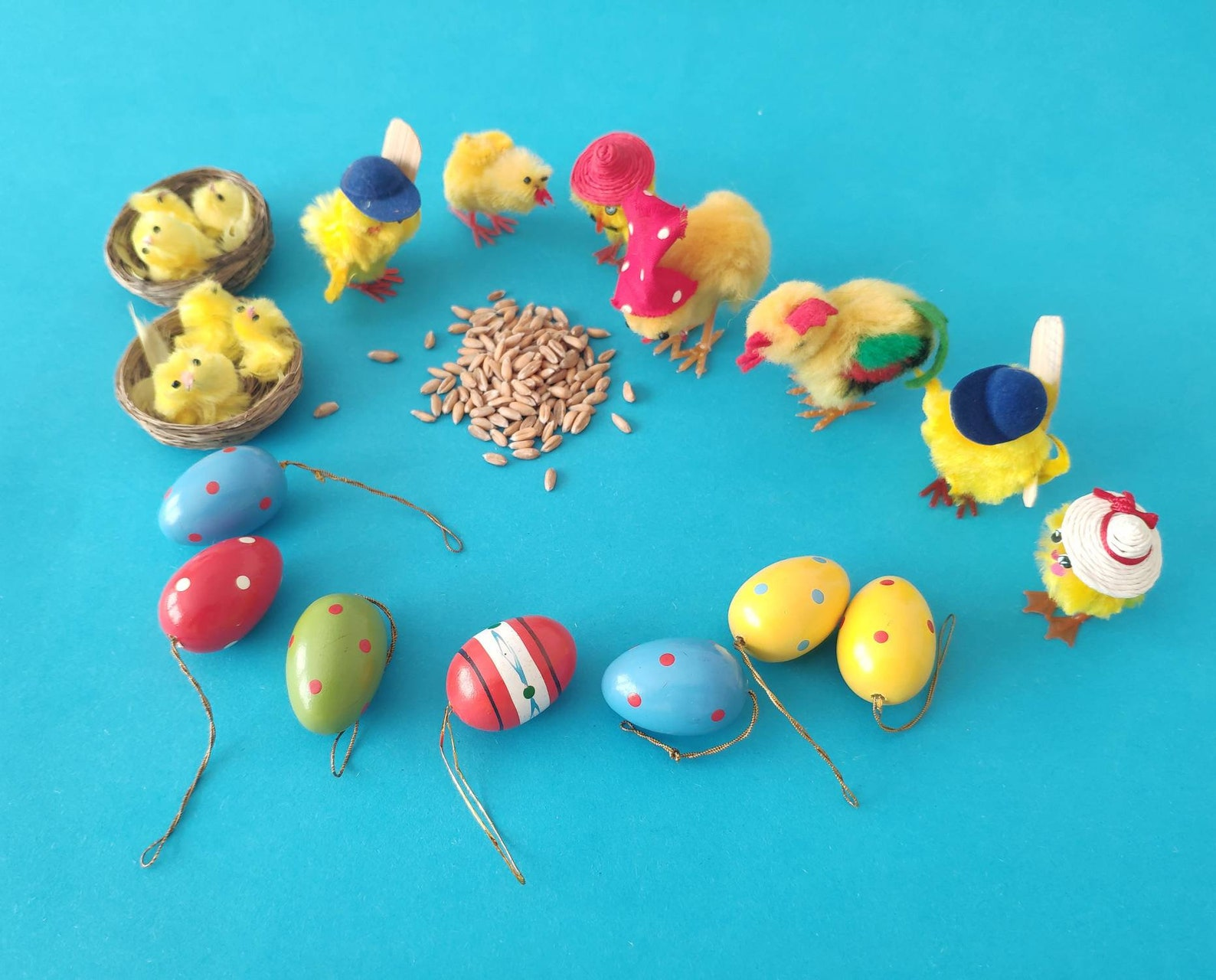 Lot of 7 Vintage German wooden Easter ornaments eggs for hanging and set of 9 table decoration chicken, birds