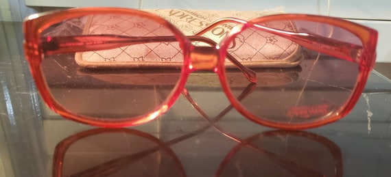 Vintage 1985 Bausch and Lomb Expressions Sunglasse