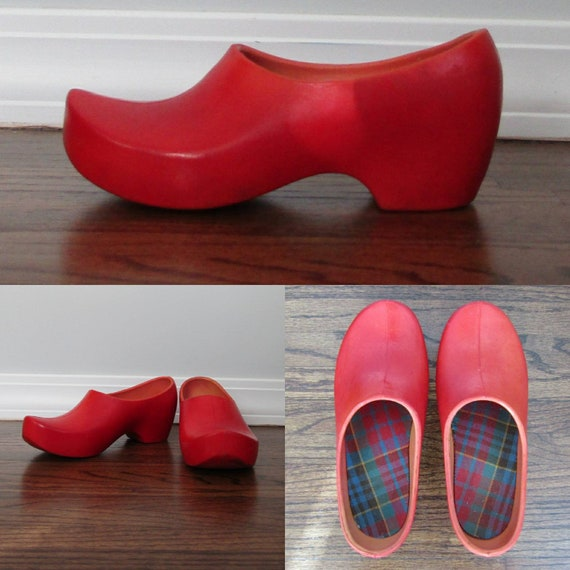 Vintage 70s Red Dutch Style Clogs in Rubber