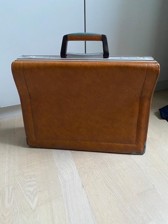 Cavalet leather suit case
