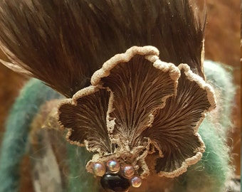 Woodland hairclip