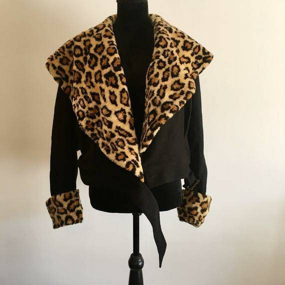 Cropped wool 80s jacket with Leopard print faux fu