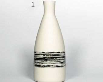 Small 300ml/10oz bottle or white and black vase in utilitarian and decorative porcelain!