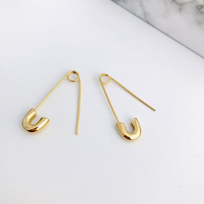 Quirky Safety Pin Threader Earrings 18k Gold Plated Clothing Pin Drop Threader Earring