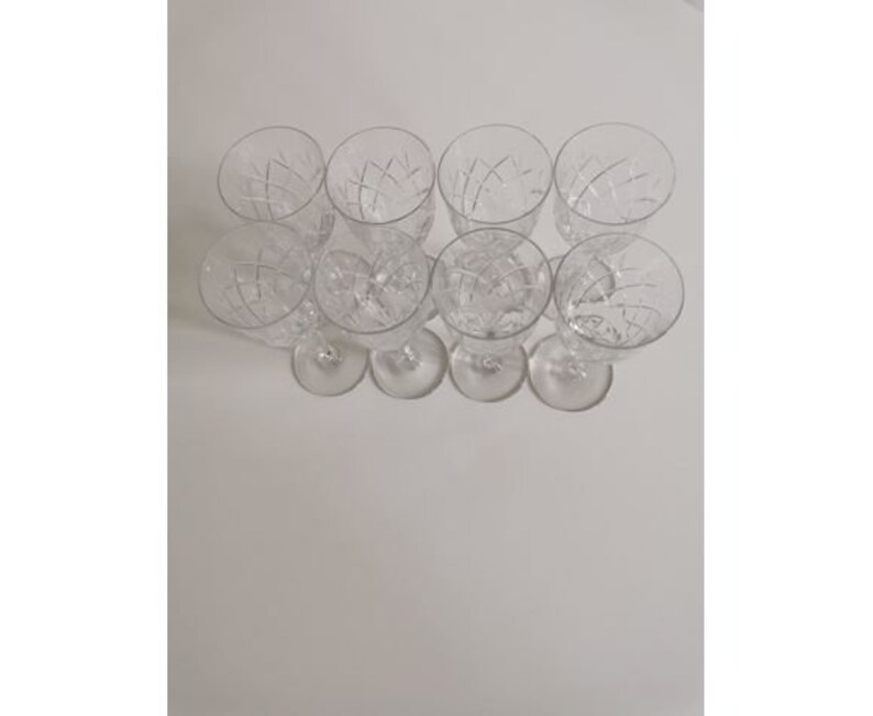 service of 8 vintage wine glasses in Boho crystal