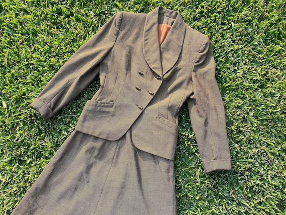 1940's WWII V for Victory Suit Set