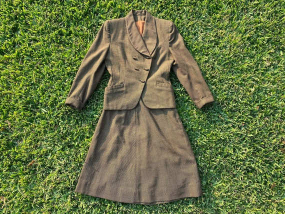 1940's WWII V for Victory Suit Set - image 3