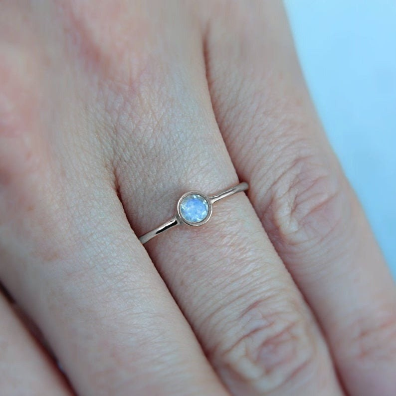 Can Be Personalized 925 Sterling Silver Christmas With Color Gemstone With Blue Flash Mini Rainbow Moonstone Ring Round Gemstone Ring