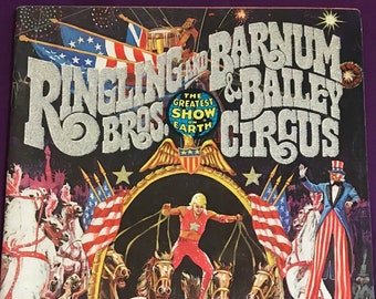 1970s Ringling Bros /& Barnum Bailey Circus 1979 program and about 70 page Carnival magazine with a poster inset of GG Williams and a leopard