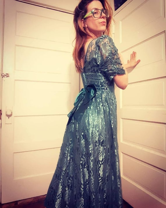 1980's green lace gown w/ bow