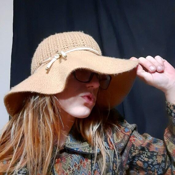 1970's Annie Hall style floppy knit hat