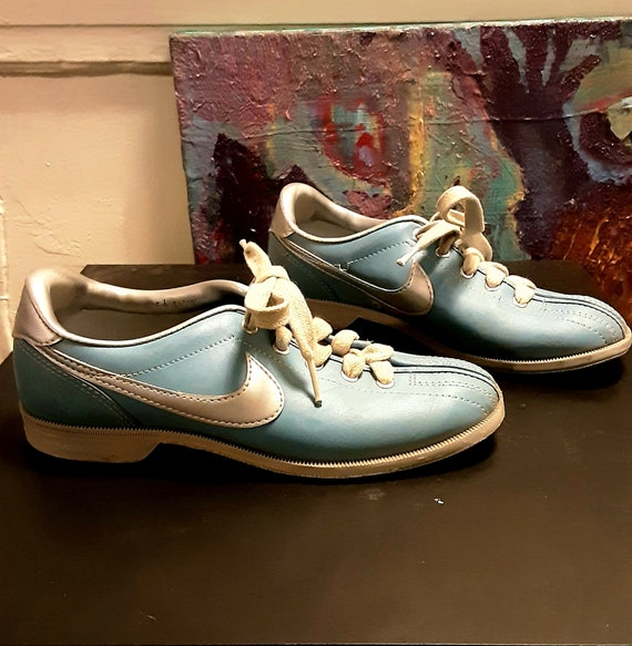 1970's blue & silver Nike bowling shoes