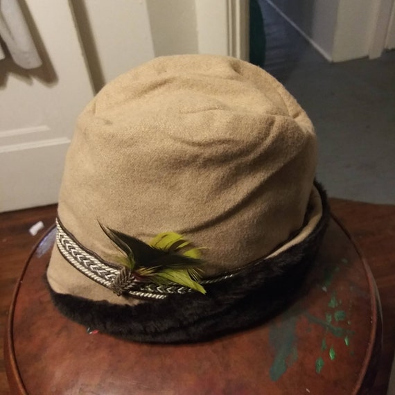 Men's vintage 1970's felt bucket hat with adjustab