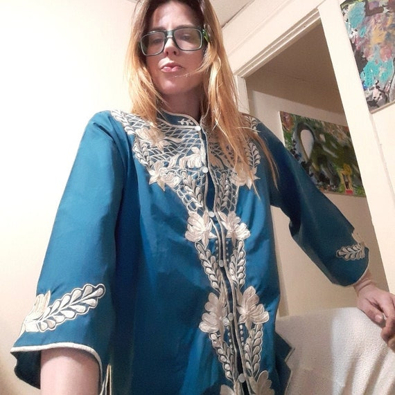 Retro 1960's embroidered Hawaiian tunic