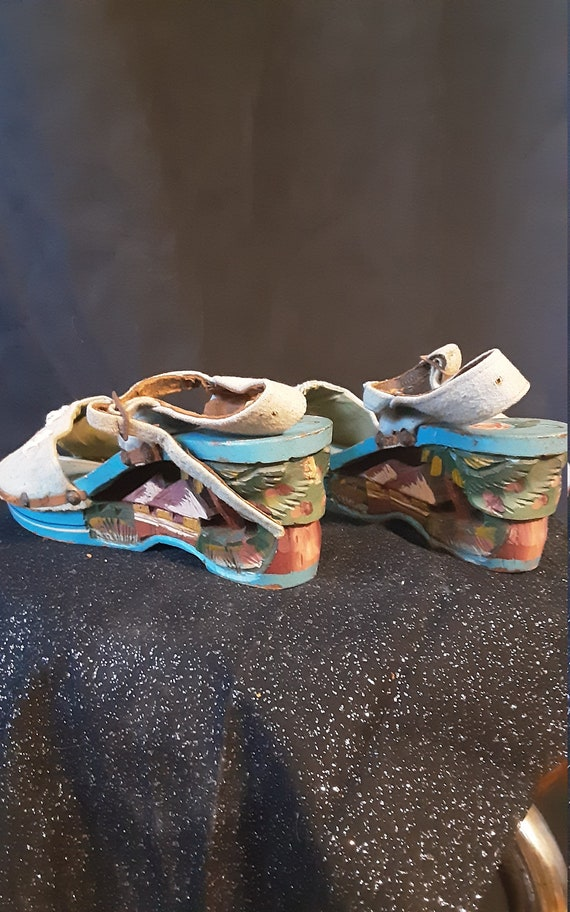 1940's carved wood wedge sandals - image 6