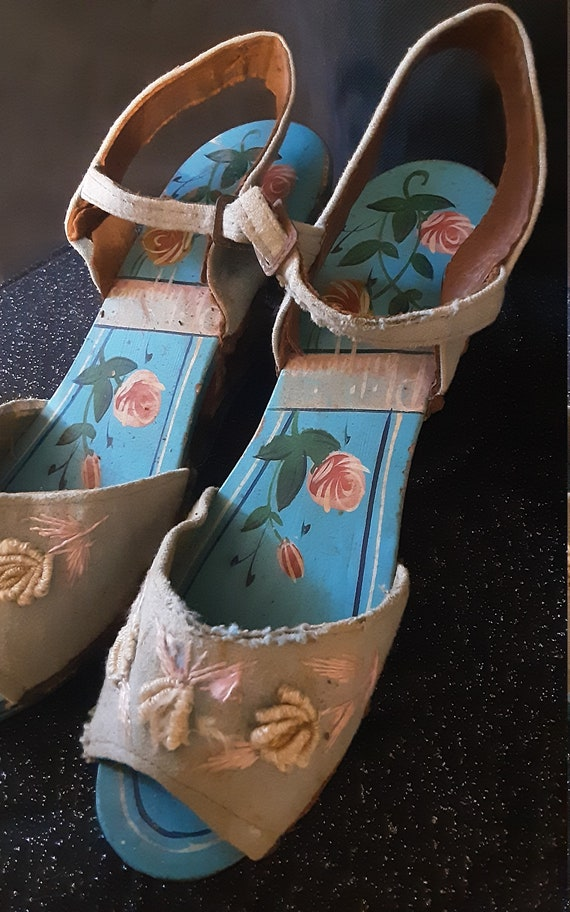 1940's carved wood wedge sandals - image 8