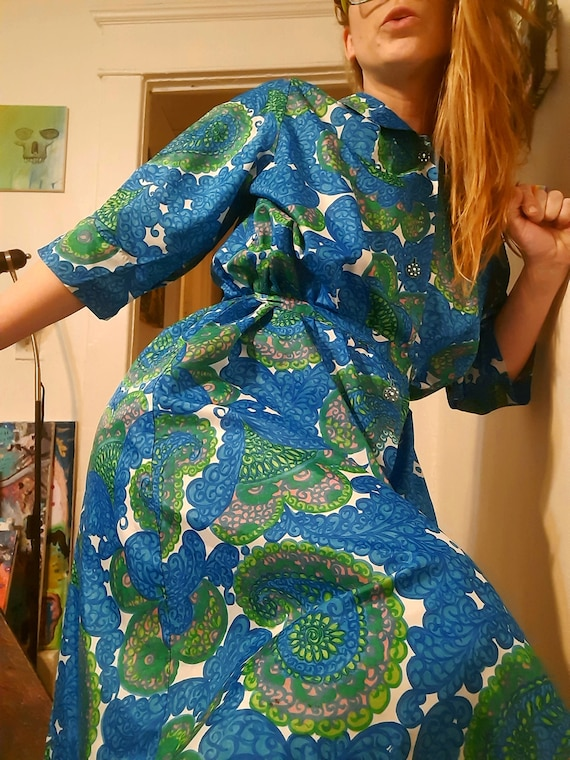 Rare 1950's psychedelic mid century caftan by Sayb