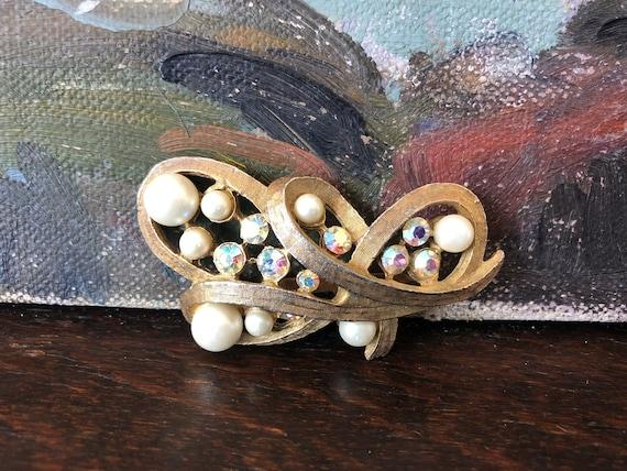 Vintage Pearl and Aurora Borealis Rhinestone Broo… - image 1