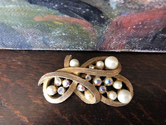 Vintage Pearl and Aurora Borealis Rhinestone Broo… - image 6