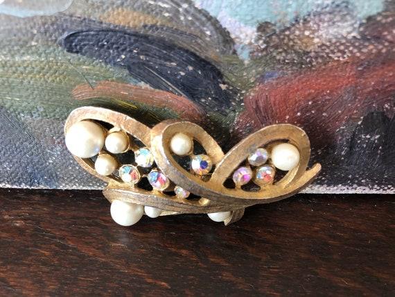 Vintage Pearl and Aurora Borealis Rhinestone Broo… - image 3