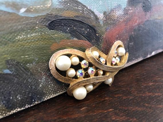 Vintage Pearl and Aurora Borealis Rhinestone Broo… - image 2