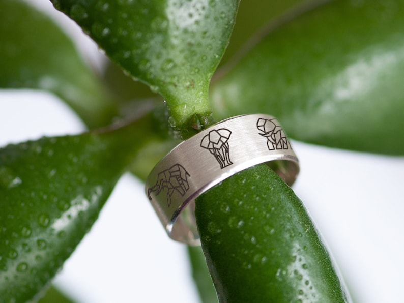 Sterling Silver Ring Women/'s and Men/'s Ring Elephant Ring Engraved Ring Origami Ring Thumb Ring Gift for Boyfriend Wide Ring 7 mm
