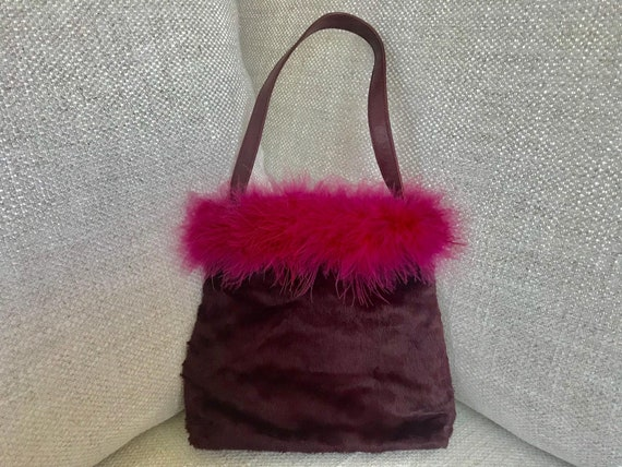 FARFALLA Faux Fur Feather Boa Handbag in Burgundy