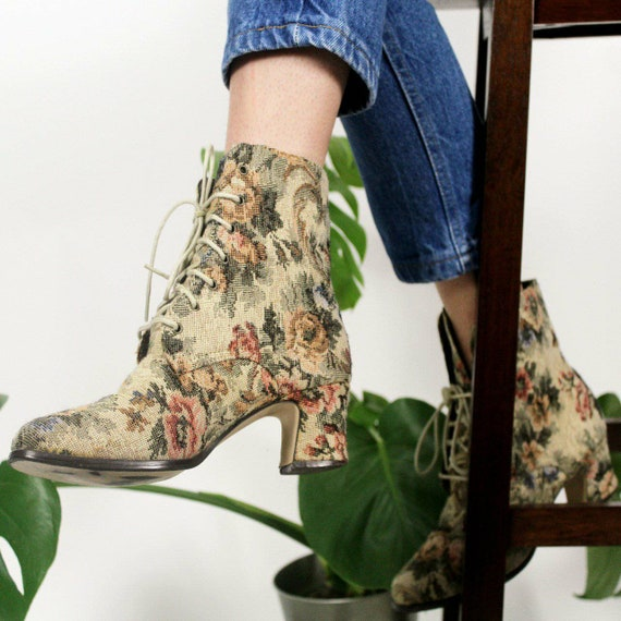 Vintage Tapestry Floral Heeled Ankle Boots Size 6