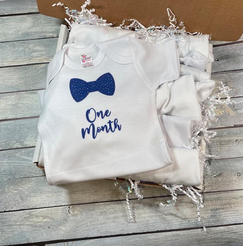 Baby Milestone OnesiesNewborn Baby GiftBaby Boy Monthly Picture OutfitBaby Shower GiftBaby Photoshoot