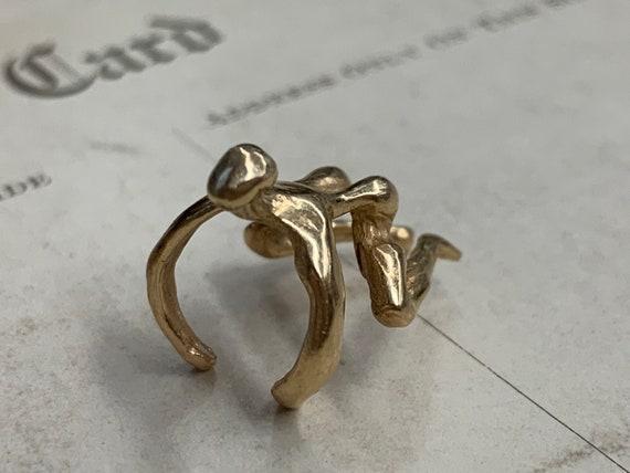 Man Holding Red Stone /'Bag/' Mechanical 10K Gold Vintage Charm For Bracelet