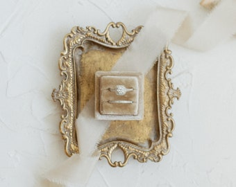 Fawn Square Velvet Ring Box Double Slot Wedding Photography Flatlay Styling Engagement Gift beige tan