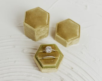 Pear Green Hexagon Velvet Ring Box Double Slot Wedding Photography Flatlay Props