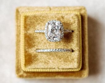 Gold Oro Square Velvet Ring Box Double Slot Wedding Photography Flatlay Props