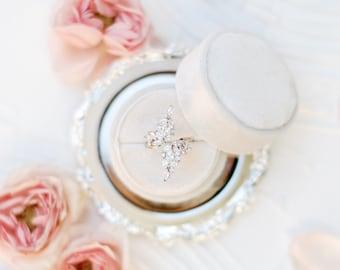 Dove White Circle Velvet Ring Box, Double or Single Slot, Wedding Photography Flatlay Styling, Engagement Gift, Dove