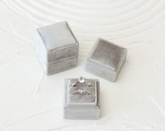 Juneco Square Velvet Ring Box